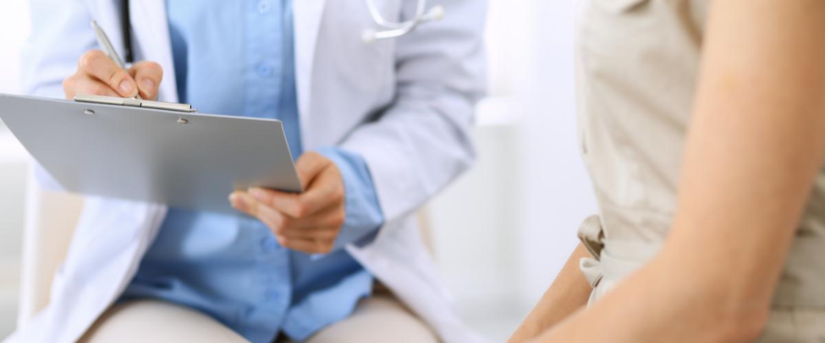 Dokter met patient