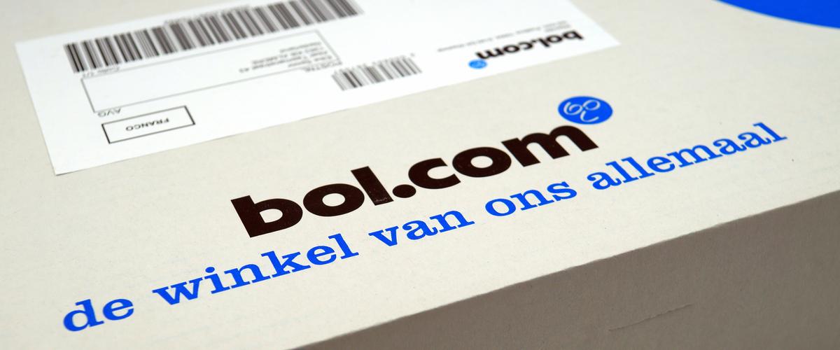 Pakket van bol.com met een EAN code